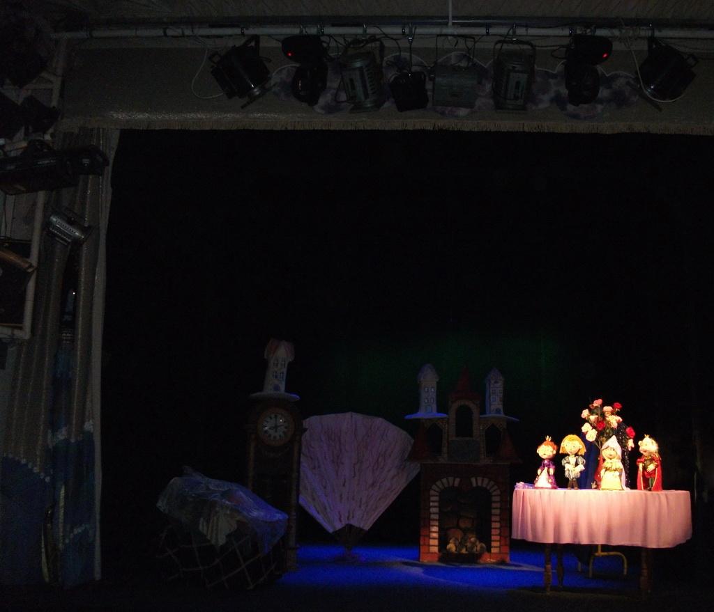 Возрождение Николаевского кукольного театра – компания